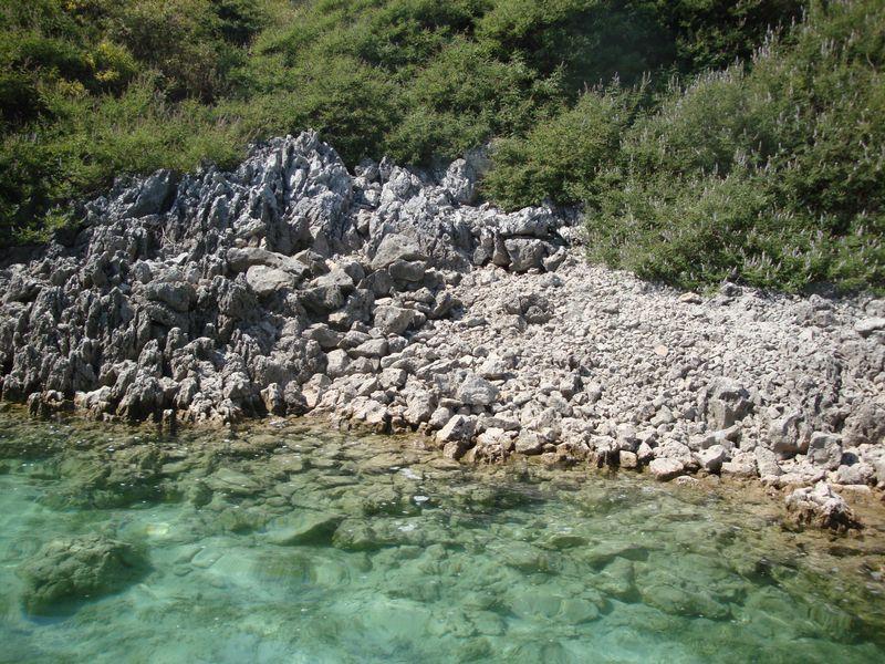 002. Walking along the shore to find turtles - Lake Kournas (Η λίμνη Κουρνά)