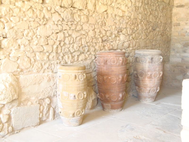 052. Storage jars, or pithoi, at Knossos - (Κνωσσός). Pithos (pl. Pithoi), or Πίθος, Πίθοι on ancient Greek, is a large earthenware storage jar