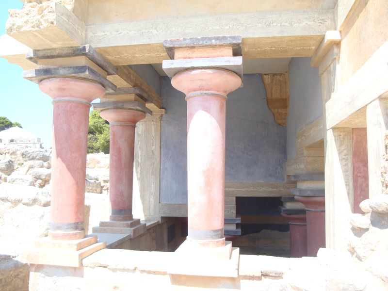 054. Pool of Ablution - It is located in the northern part of Knossos, it was restored by Evans