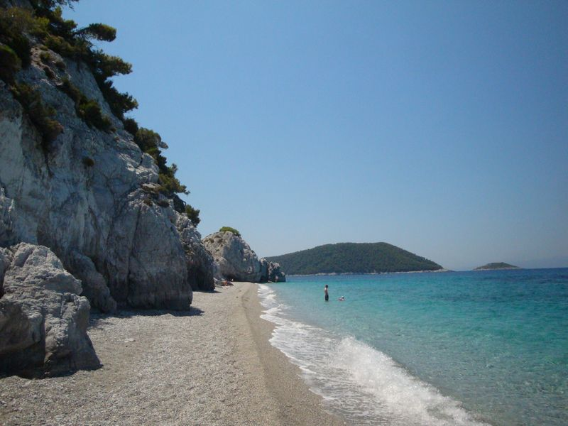 055. Amazing and deserted Chovolo beach - Χόβολο. This beach hidden behind a rock in Neo Klima (Νέο Κλήμα)