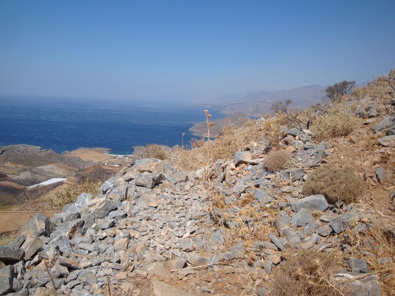 094. Beginning of the rocky path - Climbing to Timios Stavros Church. Skinaria village (Σκινάρια, Ρέθυμνο), South Crete.